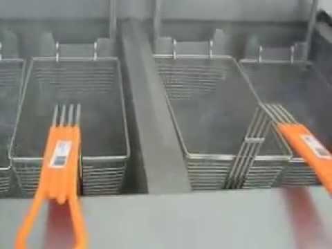 TESTING DEEP FAT FRYER FRYMASTER GAS FOOTPRINT FILTER (4