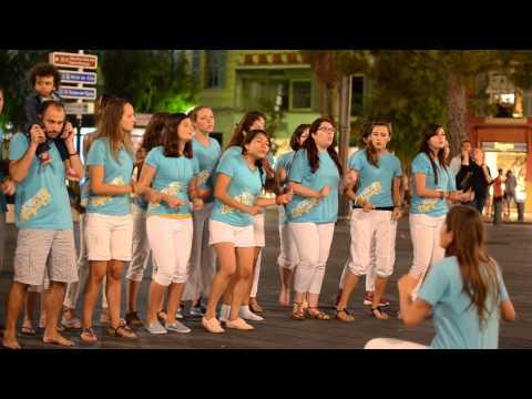 Chant Cet Amour ( Paul Baloche ) Spectacle de Rue Plage Station Nice Antibes 2015