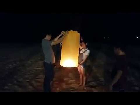 Flaming Paper Lanterns-Flying Lanterns At The Beach