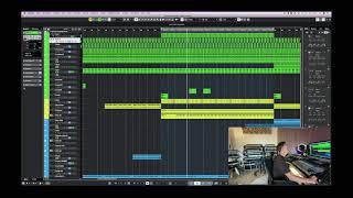YouTube動画:Inside The Studio w/ Purple Disco Machine
