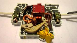 Срабатывание автоматического выключателя(, 2013-01-18T14:32:16.000Z)