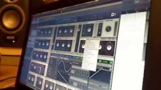 P8_3 - Baut Melodie - Trackproduktion mit Florian Meindl @ Berlin Mitte Institut 09.11.2009