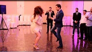 Танцевальный батл на свадьбе Дмитрия и Екатерины. Девушки против парней
