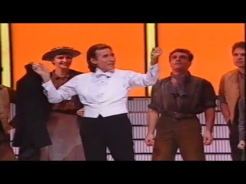 Jim Dale (Royal Variety Performance) Victoria Palace Theatre 1991 HD
