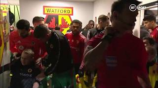 Rui Patricio offers a cold mascot in the tunnel his coat before the game. A real classy gesture!
