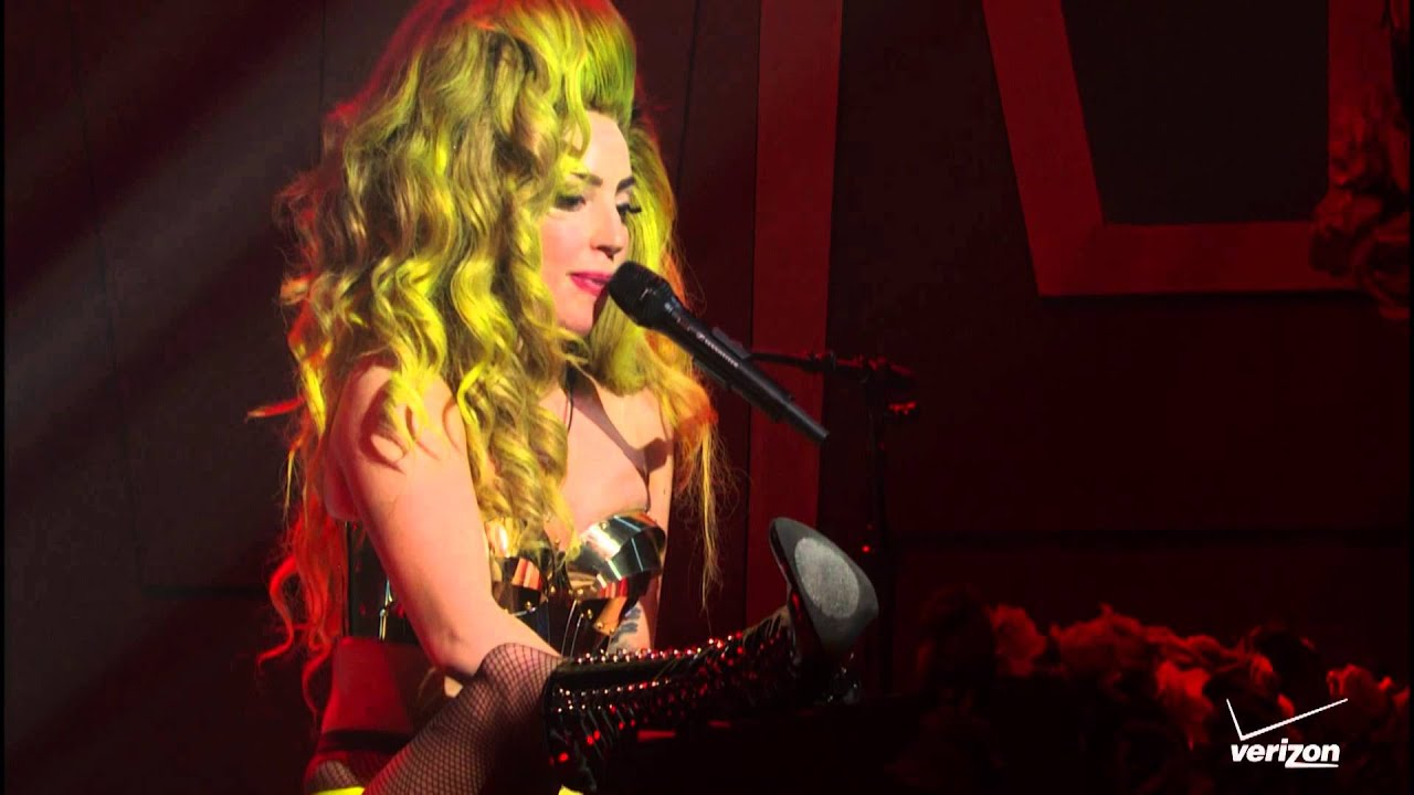 Lady Gaga - Poker Face Live at Roseland