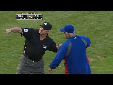 CHC@CIN: Renteria is ejected arguing a foul call