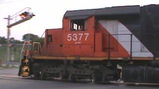 CN 5377, 5534, 2648, & 5740 Southbound @ 42nd St, Cedar Rapids, IA.