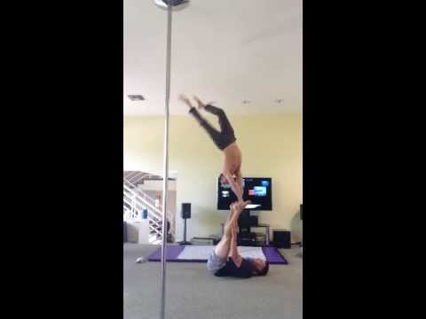 AcroYoga with Tari Mannello & Shawn: Handstand on Feet Hand to Foot