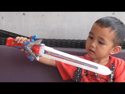 Pedang Ultraman Zero