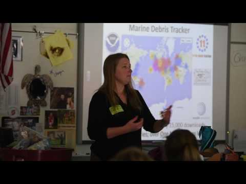 Environmental engineer talks to middle schoolers about her marine debris tracker