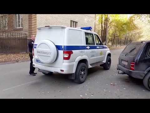 СтопХам Полицейский беспредел Вторым рядом и нарушение формы одежды без головного убора