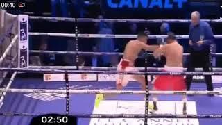 فوز الملاكم المغربي محمد ربيعي على الملاكم المجري لازلو بالضربة القاضية في الجولة الأولى