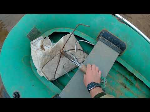 Как якориться на лодке на течении