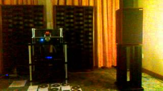 Gambar cover Audio Show 2012 Vincent TAC v60 Tube Amplifier with Harbeth m30 monitors