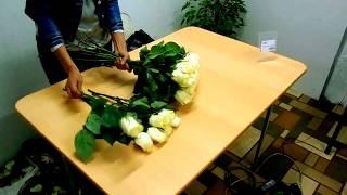 Розы в пачке (как обработать и собрать букет)(Для тех кто хочет сэкономить и сделать букет из роз сам. Правила обработки и сборки букета из 25 роз., 2015-12-07T18:36:18.000Z)