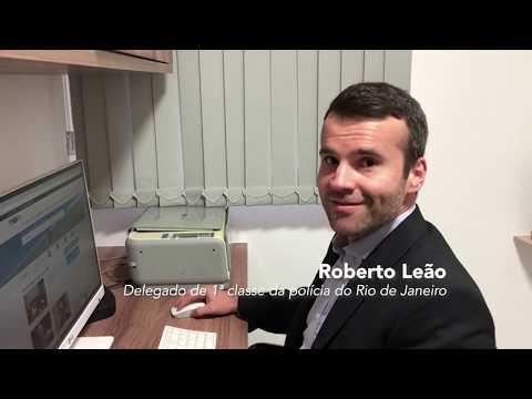 Roberto Leão