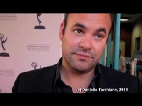 Ian Gomez talks 'Cougar Town', Penny Can & Nia Vardalos