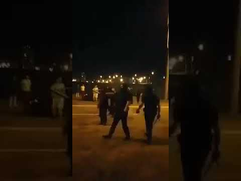 24 Канал: ОМОН у Мінську тікає від протестувальників Ненорматина лексика 18+