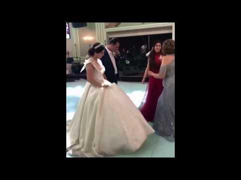 Мед и лаваш для молодоженов / Встреча жениха и невесты / Красивая армянская свадьба 2018