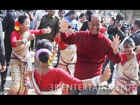 Tarun Gogoi Dancing with girls in A.P.J. Abdul Kalam Mourning : Assam chief minister TarunVideo