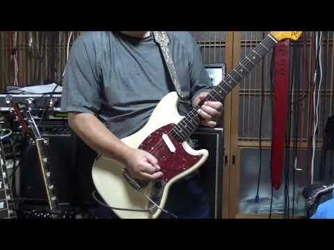 Fender Mustang 002