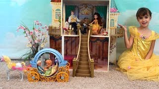 Repeat youtube video Princess Story: Princess Play Date with Anna and Elsa, Beauty and the Beast Castle, Belle Toys