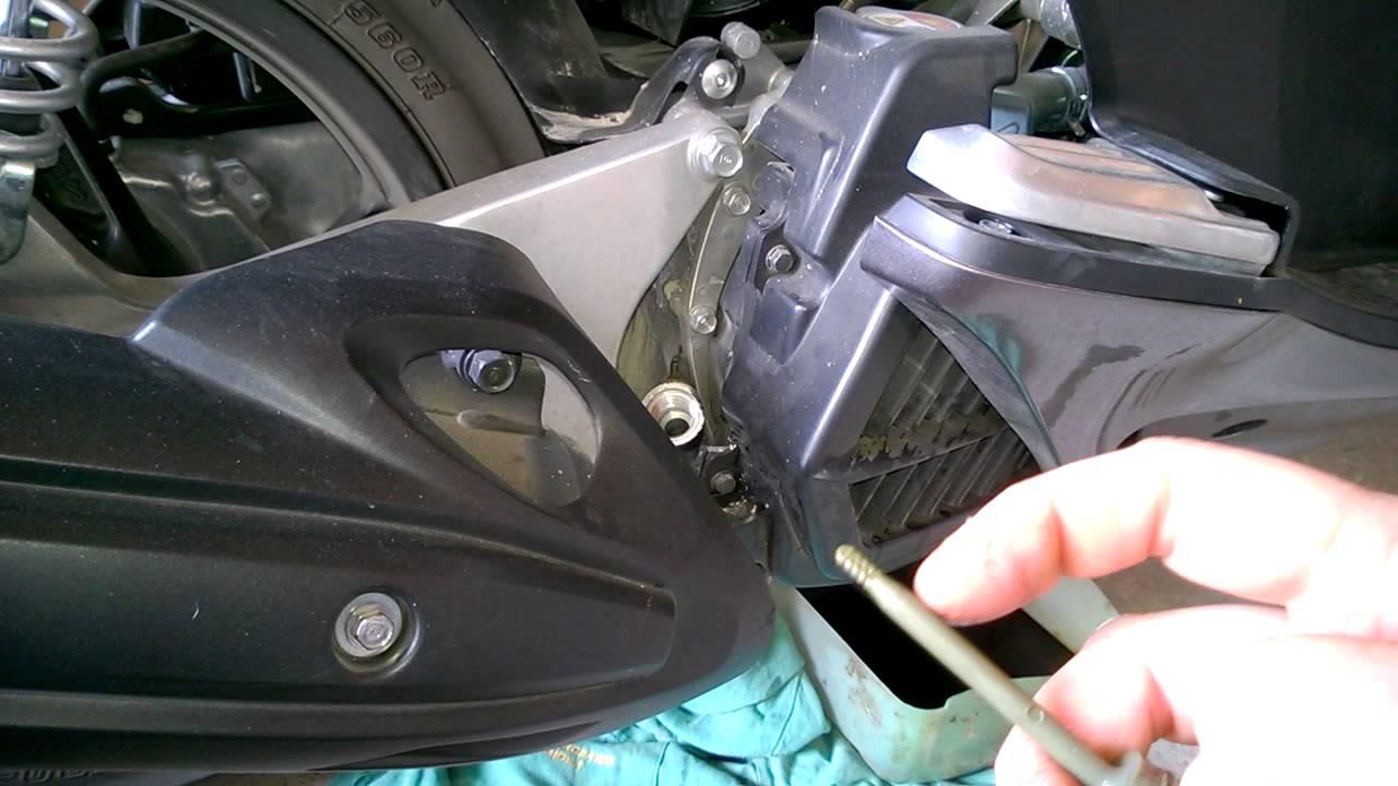 Come cambiare l'olio motore della Fiat Punto | Guide Motori