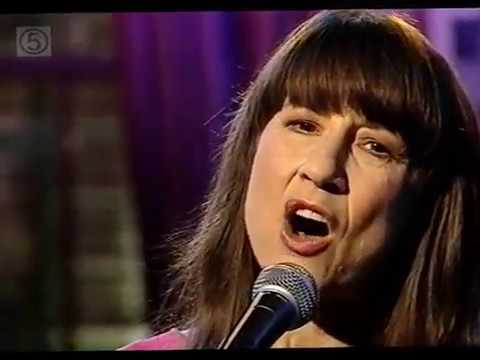 The Seekers - The Carnival is Over (live -2000) HQ Stereo sound.