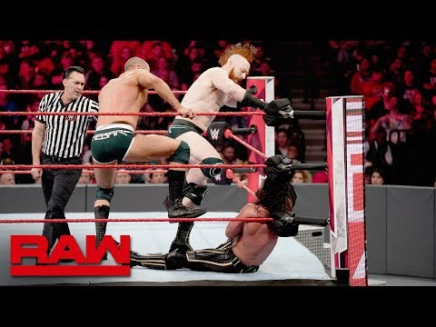 Seth Rollins & Kofi Kingston vs. The Bar: Raw, April 8, 2019