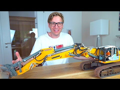 REVIEW Of AMAZING RC EXCAVATOR With Hydraulic Quick Coupler I RC Truck Action Studio