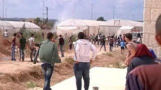 """من طولكرم: مواجهات بين الطلبة والجيش الاسرائيلي وغاز """"غريب""""    9-10-2015"""