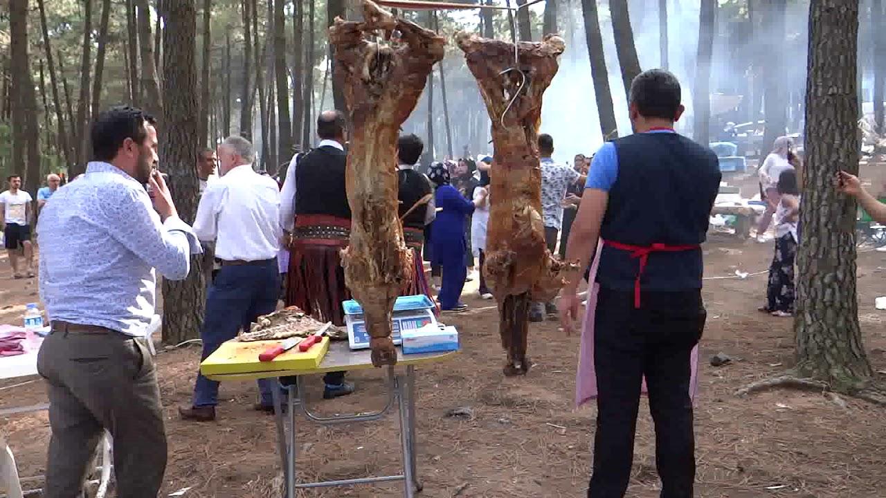 Kuyu Kebabı İst Başıbüyük de Sinop İli Saraydüzü Piknikleri Davul Zurnalı Eğ