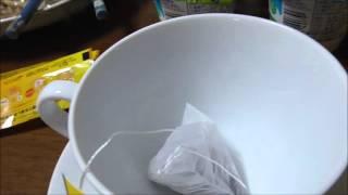 リプトン ブルーベリーマフィンティーを飲む動画です。