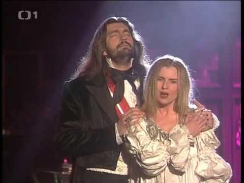 Leona Machálková a Daniel Hůlka - Vím, že jsi se mnou (muzikál Dracula)