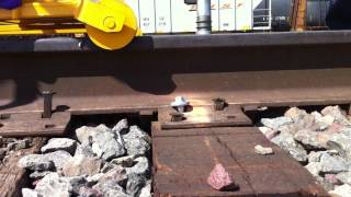 GageLok screws - BNSF - rapid installation in wooden ties without pre-drilling