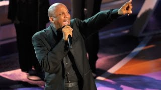 Donnie McClurkin sings I Know Who I Am (Sinach) April 2016