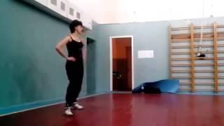 Урок танцевальной аэробики, девочки 10-12 лет
