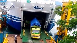 Download Video Kapal Laut (Penumpang) Trimas Kanaya -  Pelabuhan Merak !!! MP3 3GP MP4