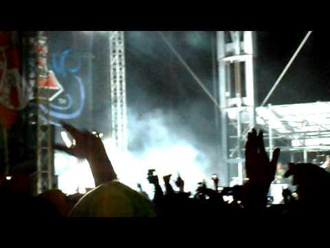 The Thrill - Walking on a Dream Remix - Wiz Khalifa bamboozle 2011