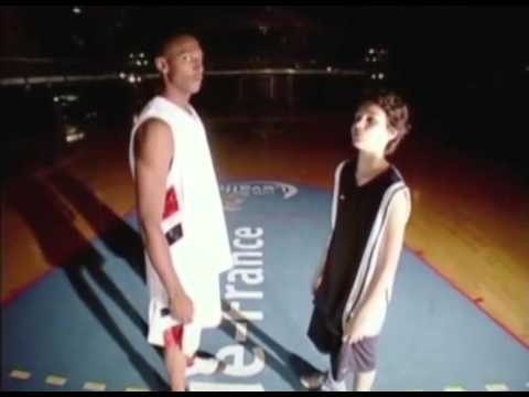 13 years old Evan Fournier meeting Boris Diaw