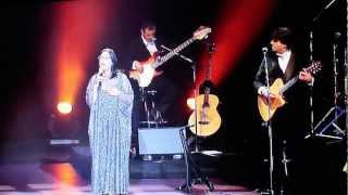 SOLE MIO-AIDE TO MALONO-PARLEZ MOI D AMOUR. Nana Mouskouri - Albert Hall 2007