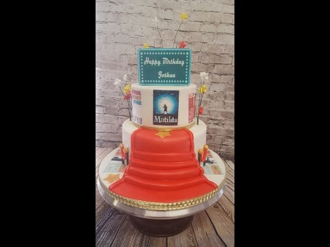 Making a 2 tier musical cake