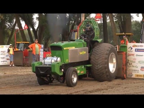smoke noise truck and tractor pull 2011 doovi. Black Bedroom Furniture Sets. Home Design Ideas