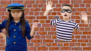 Emma Pretend Play Police Catching Magic Thief Jump Through Wall | Funny Cop Jail Story for Kids