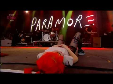 Paramore -  Let the Flames Begin (Legendado)