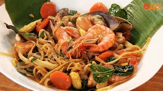 Пад Кхи Мау Тале. Обжаренная с морепродуктами лапша