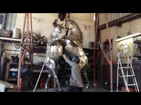 Dancing - Sculpture in Stainless Steel - Ze Vasconcellos - Brazil Ze Vasconcellos Metal SculpturesZe Vasconcellos Metal Sculptures - Metal Sculptures - Campinas - São Paulo - Brasil Esculturas em Metal, Metal Sculptures, Cavalo Metal, Horse Metal, Art Metal, Ze Vasconcellos Metal Sculptures