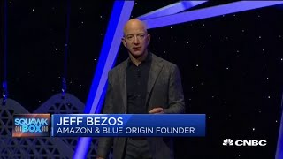 Elon Musk tweets lewd response to Jeff Bezos' moon lander announcement