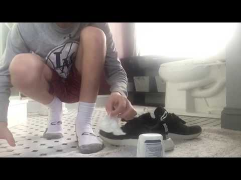 How To Clean Your NMD's With TOOTHPASTE!